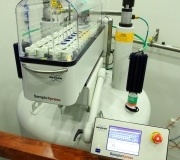 Automatic sample changer